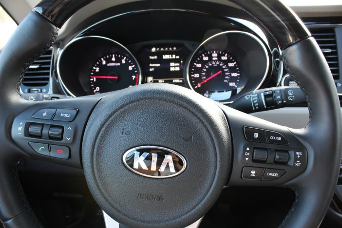 2016 Kia Sedona dashboard and steering wheel