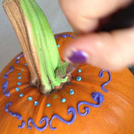 Mediocre Painted Pumpkins : A step by step tutorial