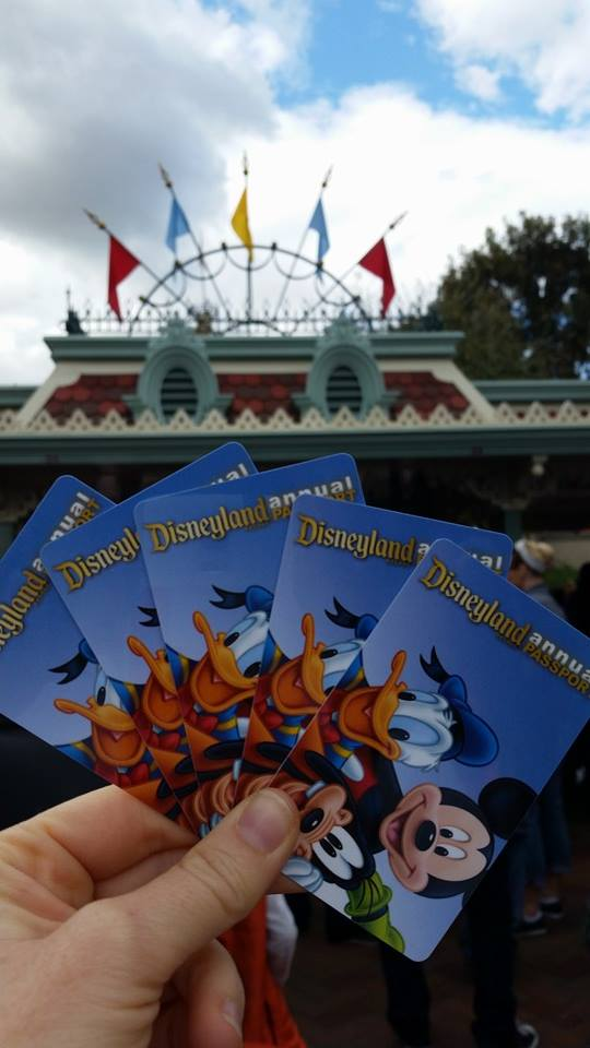 disneyland-annual-passports