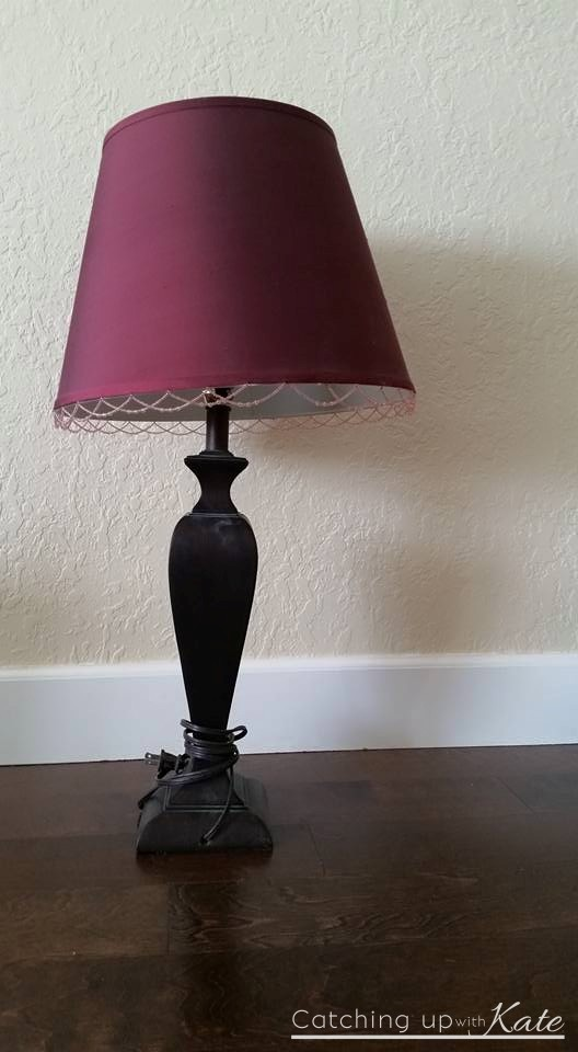 garage-sale-lamp