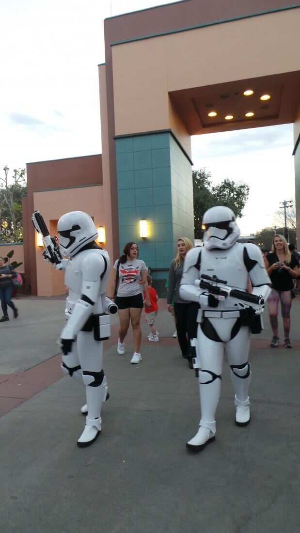 storm-troopers-disney-world