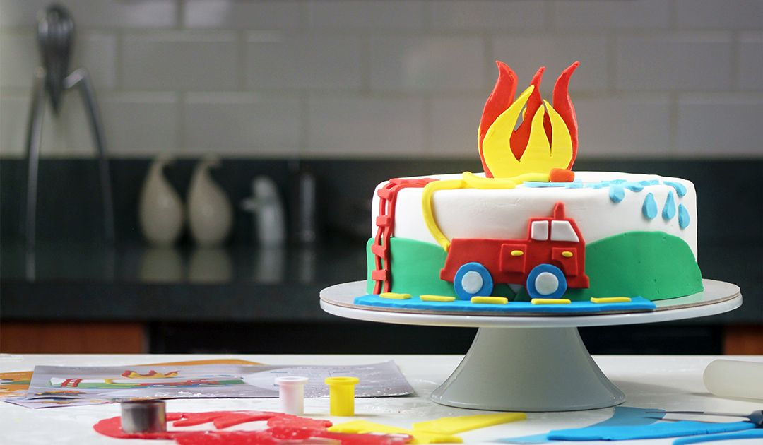 Diy Firetruck Cake That Is So Easy Cute Kits And Simple
