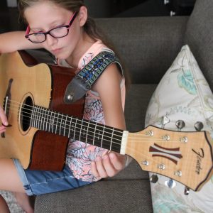 FREE GUITAR LESSONS! Teaching Tweens Guitar with Fender Play