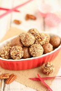 No-Bake Gingerbread Date Balls