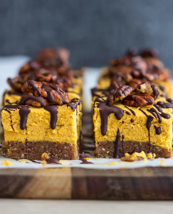 Raw Pumpkin Pie Cheesecakes