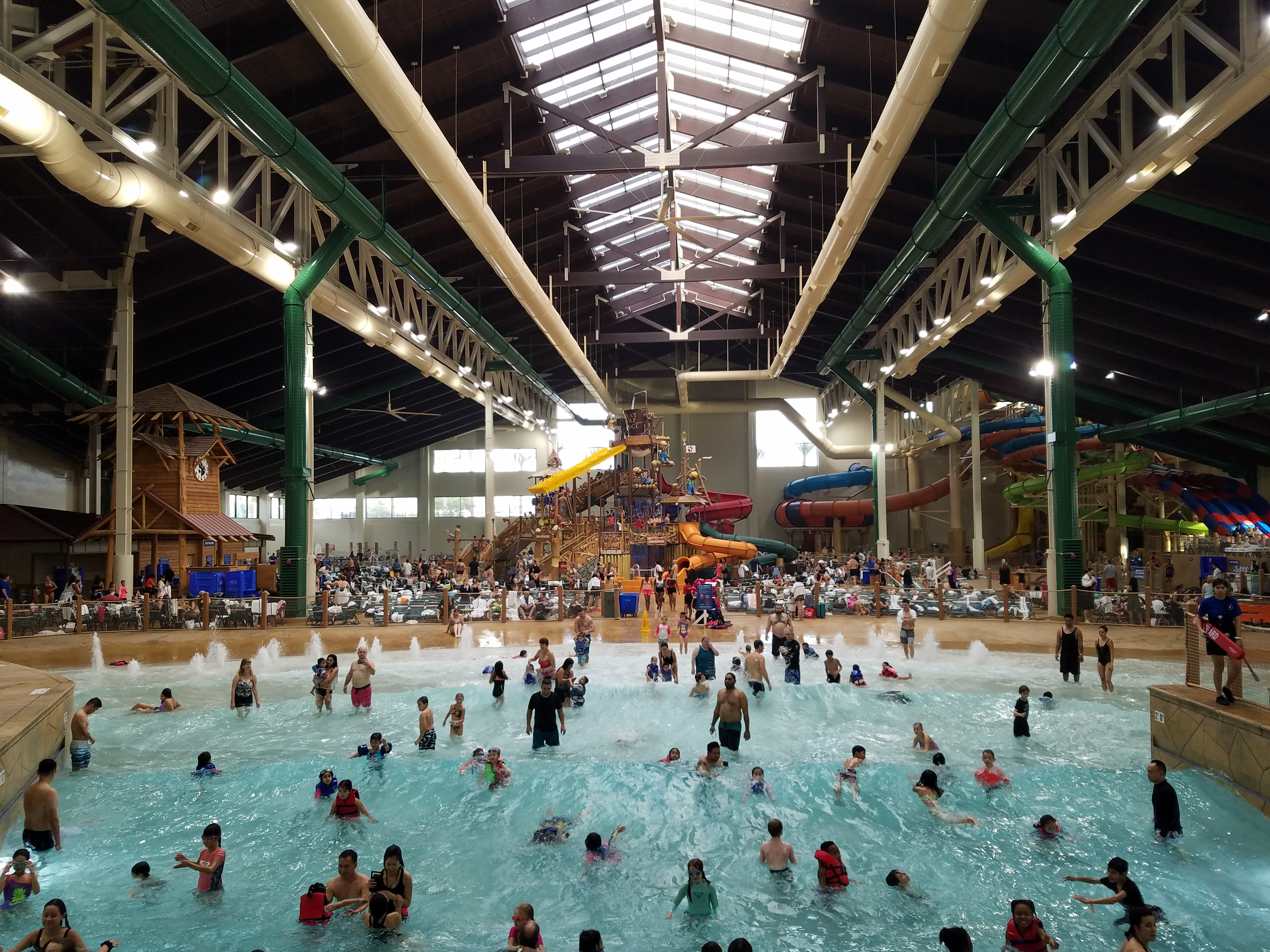 great wolf wave pool