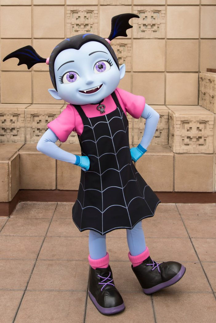 where to meet vampirina